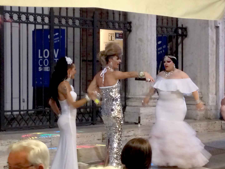 Gay Umbria: Local Color